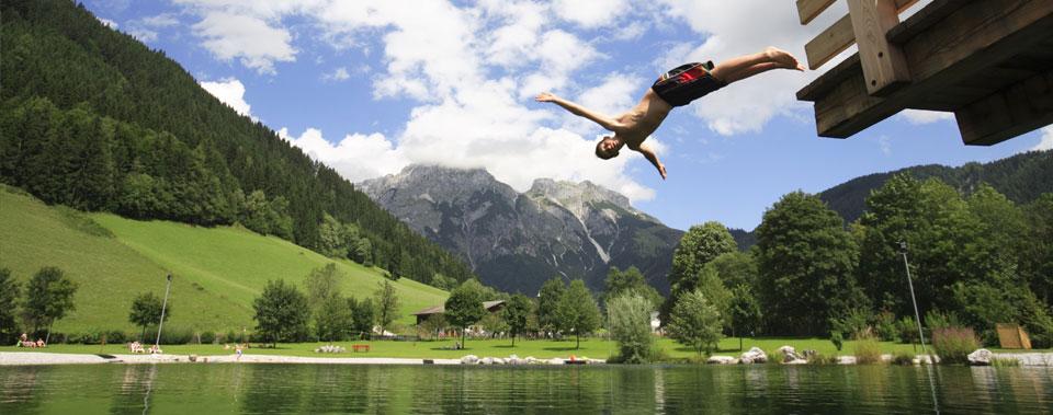 Genießen Sie unsere Berge oder entspannen Sie beim Baden im See
